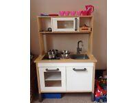 Childs play kitchen & accessories