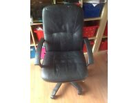Computer chair black leather excellent condition