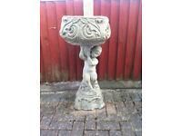 Garden planter / ornament - Heavy concrete item