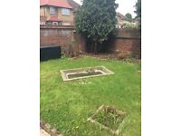 Large 4 bed with large gardens London to South Wales
