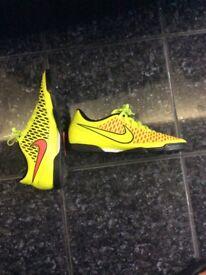 Nike Magista Football Trainers