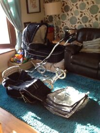 Vintage Silver Cross 2 in 1 Carrycot And Pram Seat