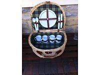 Quality picnic basket NEW
