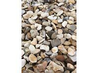 20mm buff Flint garden and driveway chips/stones