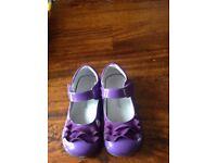 Little Lamb Girls shoes infant Size 10 Euro 28