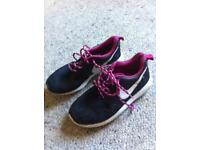 Black Nike Roche uk 3.5