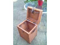 Box wicker basket