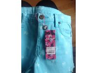Girls short BNWT