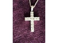 18ct Gold Diamond Cross Pendant &Chain