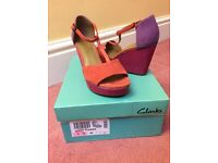 Clarks size 5E wedge sandal