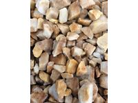 20 mm St. Andrews Quartz garden and driveway chips/gravel