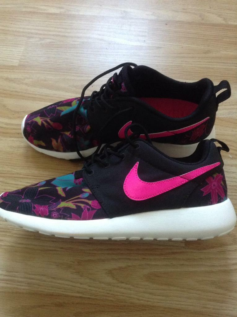 New ladies Nike trainers