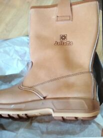Brand New & Boxed Jallatte Mens Boots