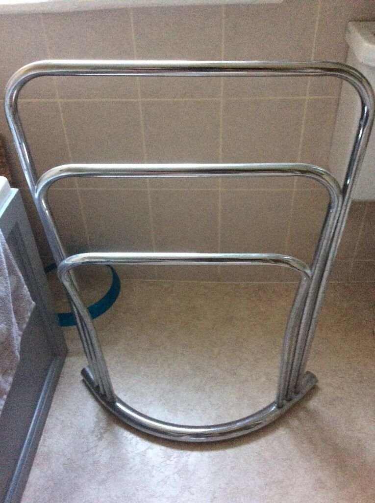 Chrome towel rack/rail