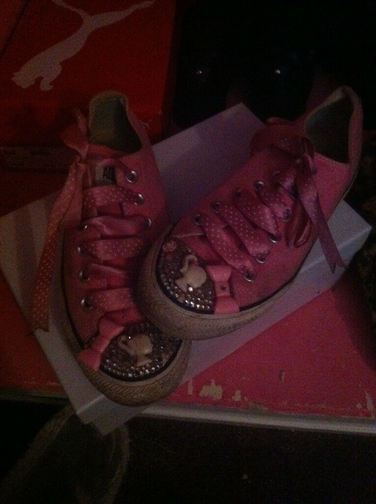 cd8a3338c6e X2 pairs womans converse trainers size 7