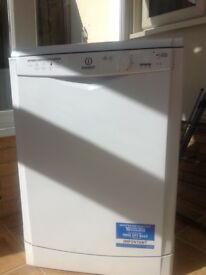 INDESIT DISHWASHER IN MINT CONDITION ONLY USED 8 Months.