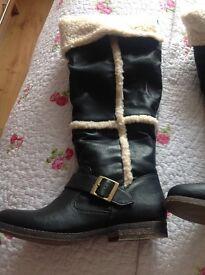 Ladies river Island boots