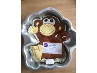 Monkey baking tin