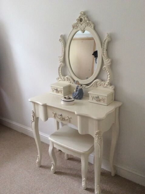 detailed look f74f2 b21b7 Pretty dressing table and mirror | in Christchurch, Dorset | Gumtree