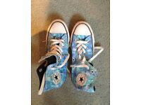 Ladies Converse all star shoes uk sIze 4