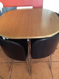Table and chairs (brown)