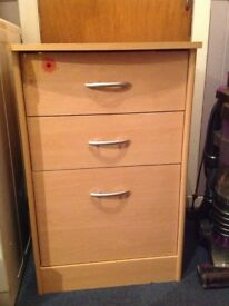 Wooden filing cabinet with 2 drawers above