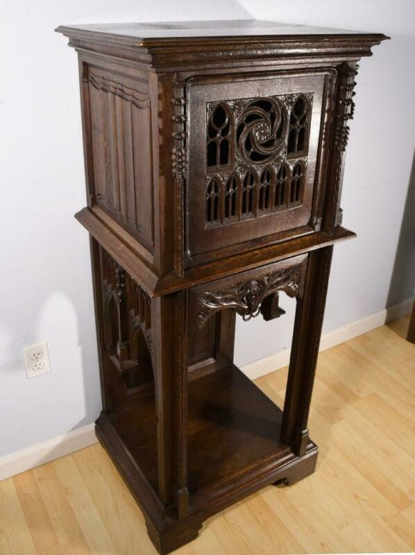 French Antique Gothic Revival Pedestal/Display Stand/Cabinet in Oak