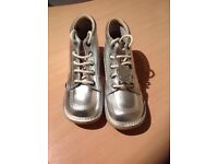 Silver Kickers, size 6