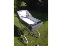 Traditional silver cross pram 1980 style in good condition