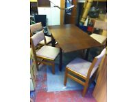 Traditional vintage extending dining table & 4 chairs