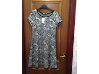 Oasis Black & White Dress (Size M) Never worn in brand new condition, label still attached