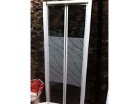 Bi fold shower door (glass)