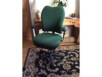 AMAZING VALUE!!! ORTHOPAEDIC COMPUTER/OFFICE CHAIR - ONLY £80!!!