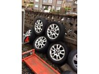 "5 Land Rover freelander 17""Alloys tyre not allot off tread on £60ono"