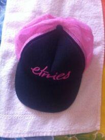 Etnies baseball hat - black/pink.