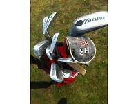 John Letters Golf Clubs 3-9 w/ 2 putters and 1 driver also with mizuno club + NIKE bag (brand NEW)!