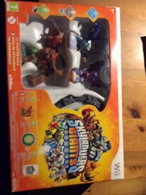 Sky landers starter kit with 2 extra characters