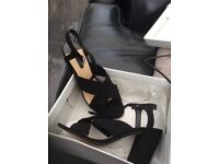Brand new size 6 sandals