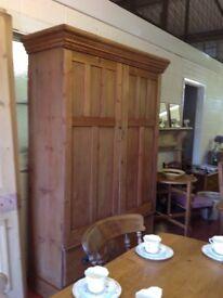 Victorian pine wardrobe/cupboard