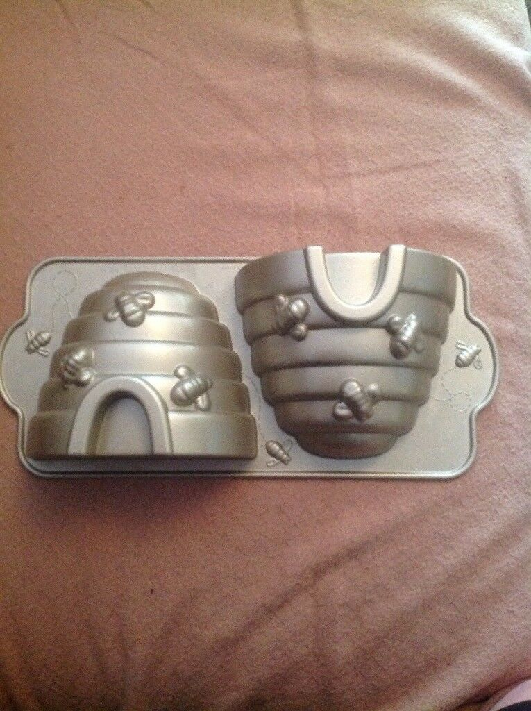 Beehive cake mould