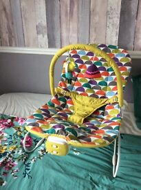 Mamas and Papas Buzz cradle baby bouncy chair