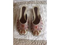 Ladies slip on shoes size 6