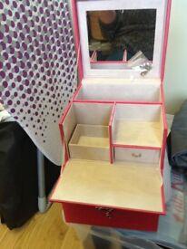 HOT PINK JEWELLERY BOX New unused lockable