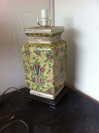 Beautiful Chinese style ceramic lamp base
