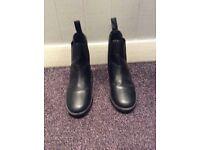 Child's jodphur boots size 12