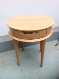 Oak veneer lamp table