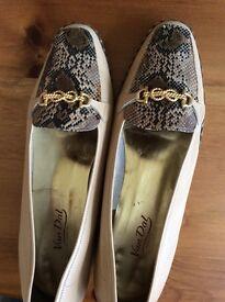 Ladies shoes size 9 Van Dal