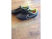Boys Nike Magister Football Boots