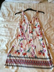 New Look Size 8 flowered dress
