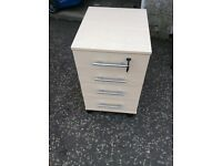 Bedside cabinet with 1 lockable drawer
